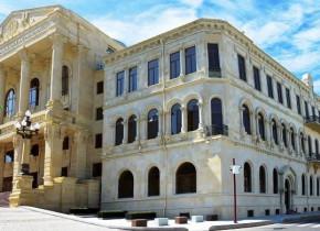 Bakı Narkoloji Dispanserin baş həkimi rüşvət alarkən həbs edildi