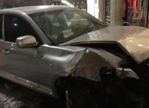 Sərxoş sürücü avtomobili prezident iqamətgahına çırpdı