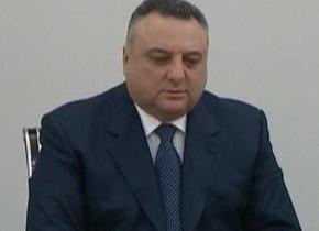 Eldar Mahmudov həbsdəki əmisi oğlu ilə üzləşdirildi