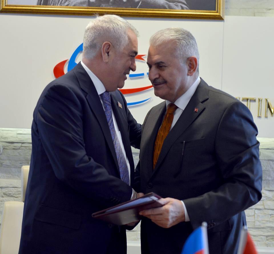 Cavid Qurbanov Türkiyənin yeni baş naziri ilə tanışlığından danışdı