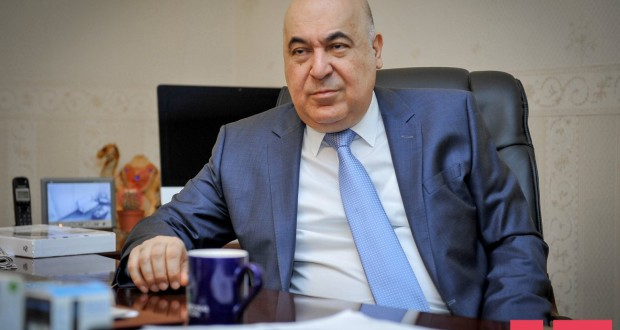 """Çingiz Abdullayev:""""Əgər qadınları sevməsəm, heç vaxt yaza bilmərəm"""""""