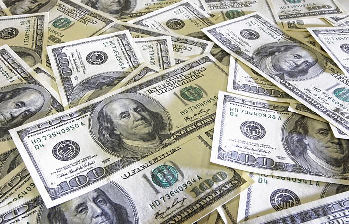 Dollar rekord həddə ucuzlaşdı
