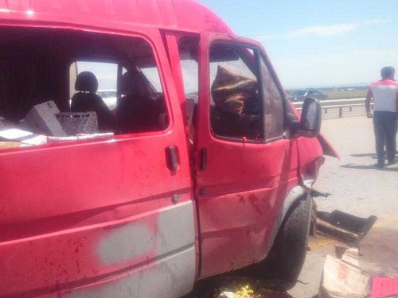 Goranboyda sərnişin mikroavtobusu qəzaya düşdü: yaralılar var – FOTO