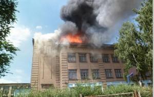 Bakıda yeni təmir olunmuş məktəb yandı