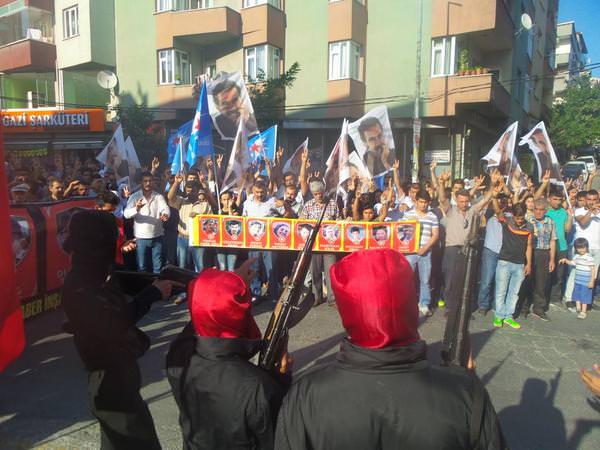 PKK terror təşkilatı tərəfdarları Türkiyə və Azərbaycanın diaspor təşkilatına silahlı hücum etdi