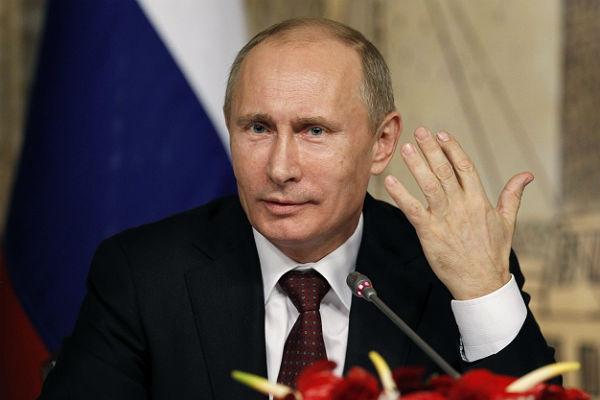 """Putin etiraf etdi: """"Son illər Rusiya üçün ağır illər olub"""""""