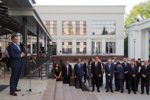 Azərbaycanlı deputat Yesuntikiyə 35 milyon xərclədi