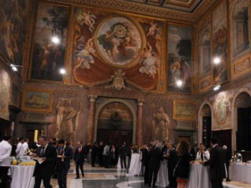 Vatikan sarayında azan səsləndi