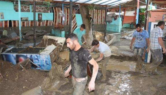 Türkiyədə sel fəlakəti nəticəsində 3 nəfər ölüb