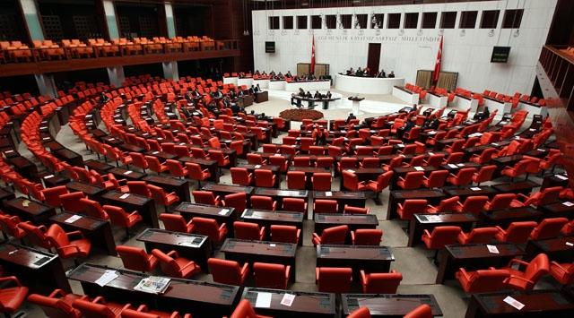 Türkiyədə 15 millət vəkili istefa verdi