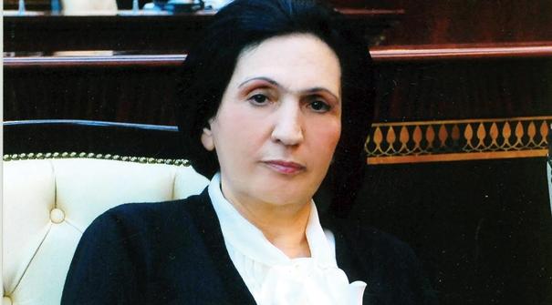 """Yeni rektor Nurlana Əliyeva: """"Ləhləyə-ləhləyə pilləkənlə qalxmaq yaxşıdır?"""""""