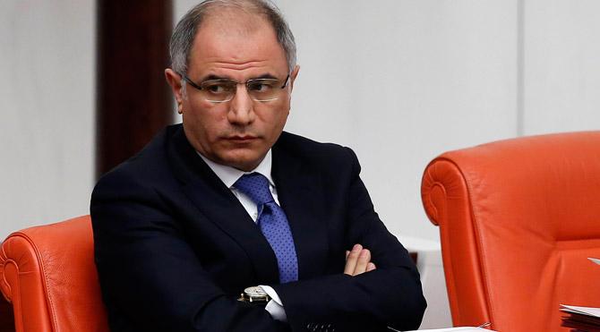 Ramil Usubovla görüşdən sonra nazir postunu itirdi