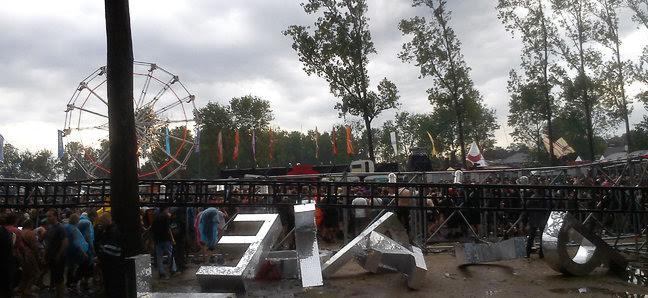 Güclü fırtına festivalı yarımçıq qoydu