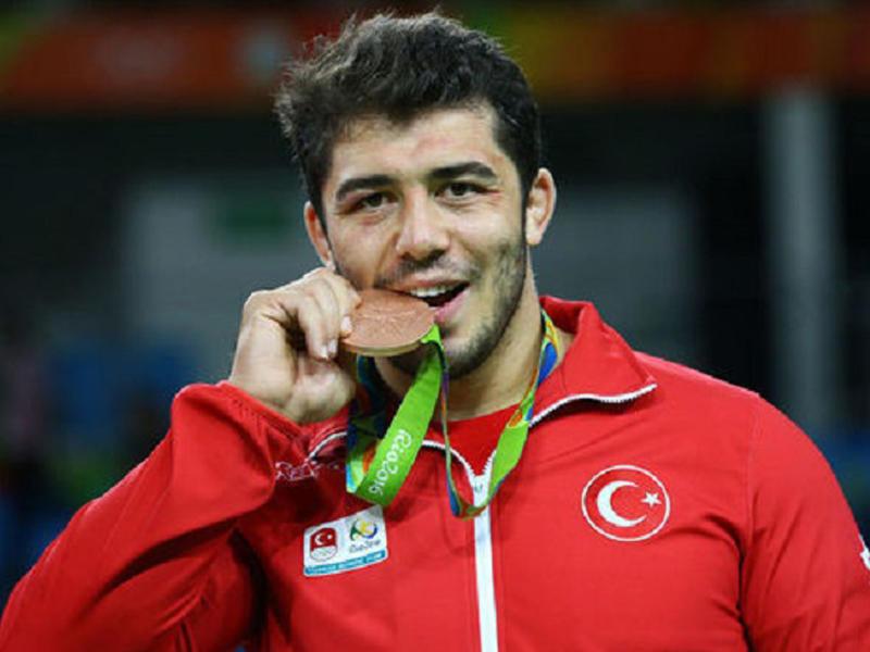 """Türk idmançı """"Rio-2016″da Azərbaycan bayrağını qaldırdı"""