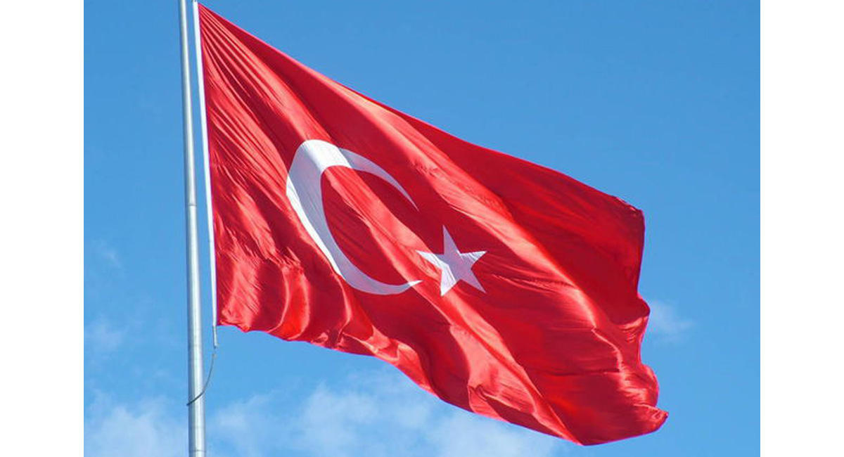 Türk diplomatı Rusiyaya qaçdı