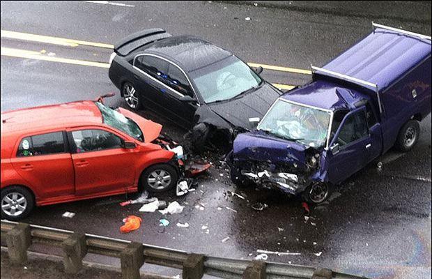 3 avtomobil toqquşdu