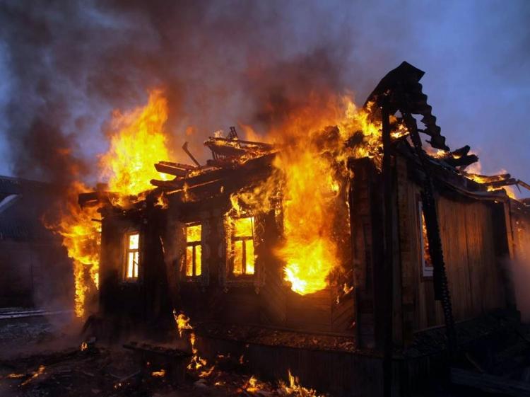 Bakıda bir gündə 2 ev yandı