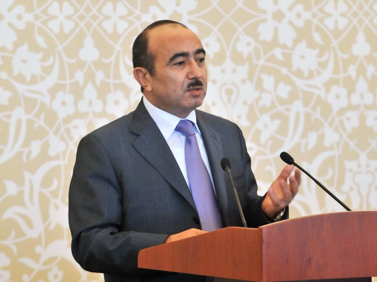 Əli Həsənov Nazarbayevin istefasından danışdı