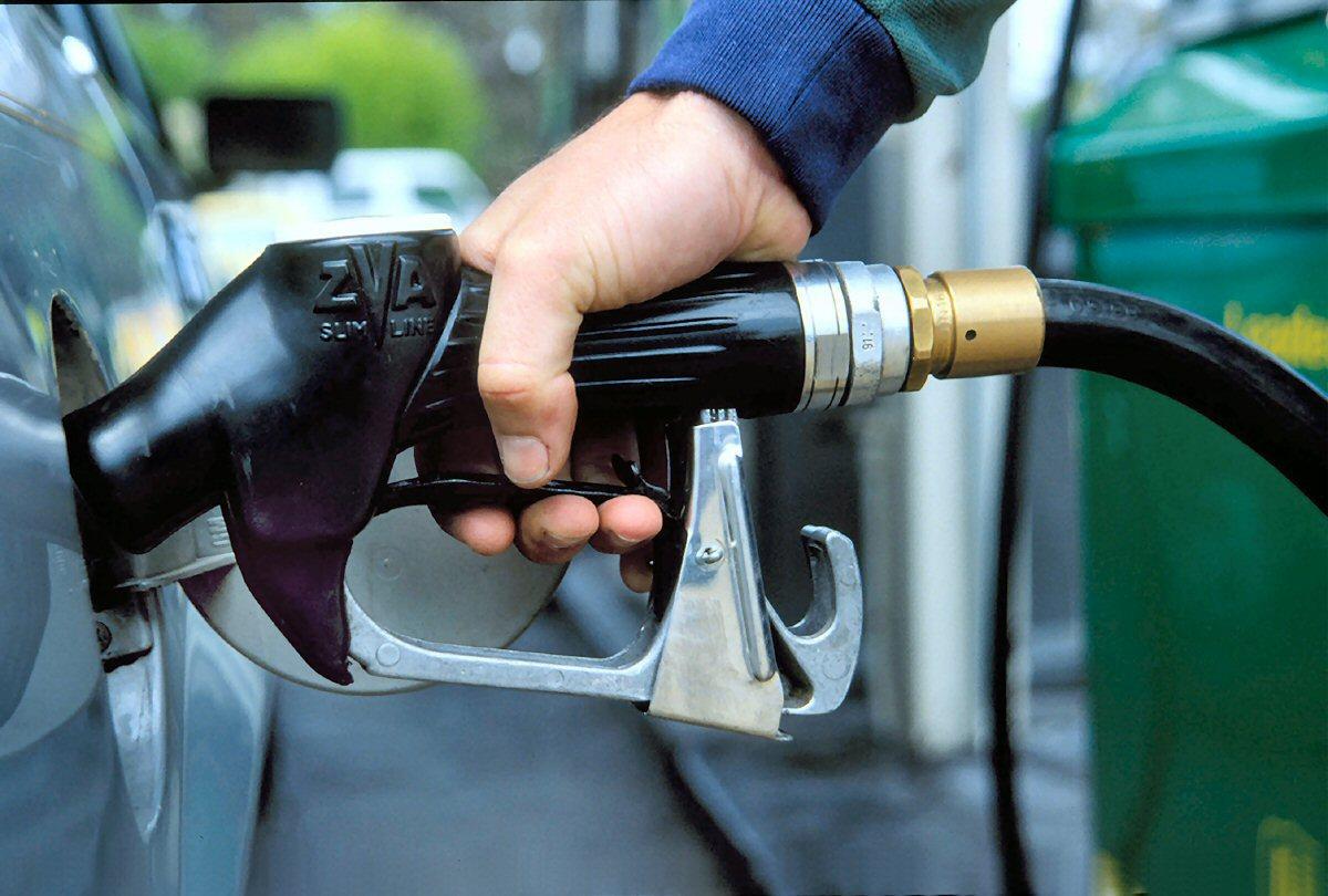Benzin və dizelin qiyməti ucuzlaşdı