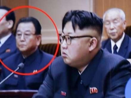 Prezident baş nazirin müavinini düzgün oturmadığı üçün edam etdirdi
