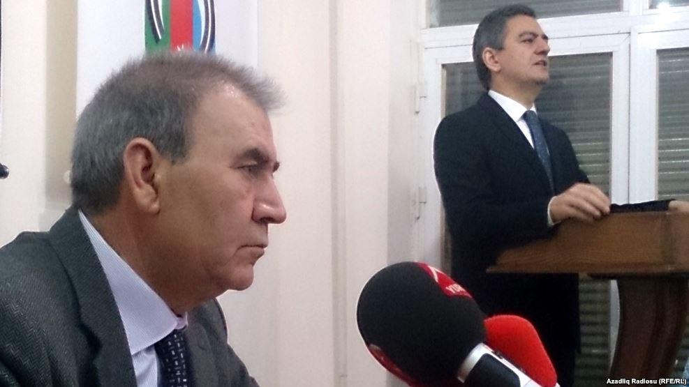 Milli Şuranın mitinqi təxirə salması ittihamlara səbəb oldu