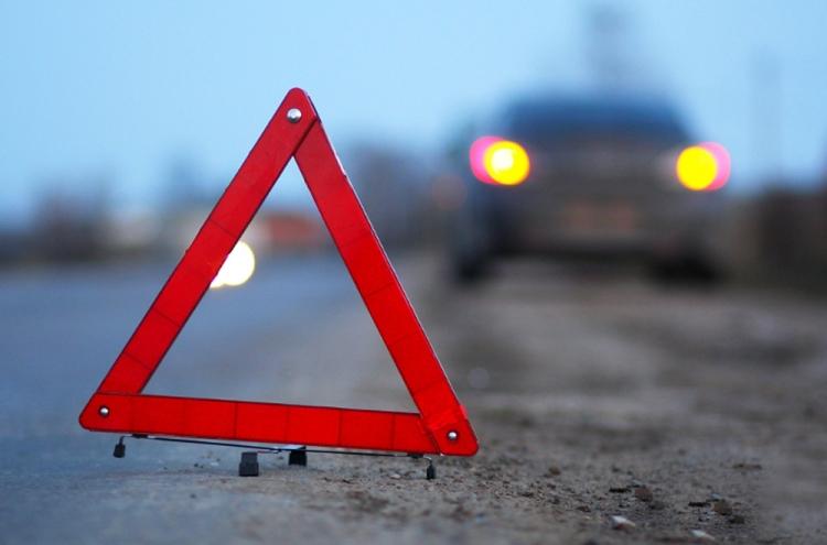 Biləsuvarda zəncirvari yol qəzası baş verdi – 2 nəfər yaralandı
