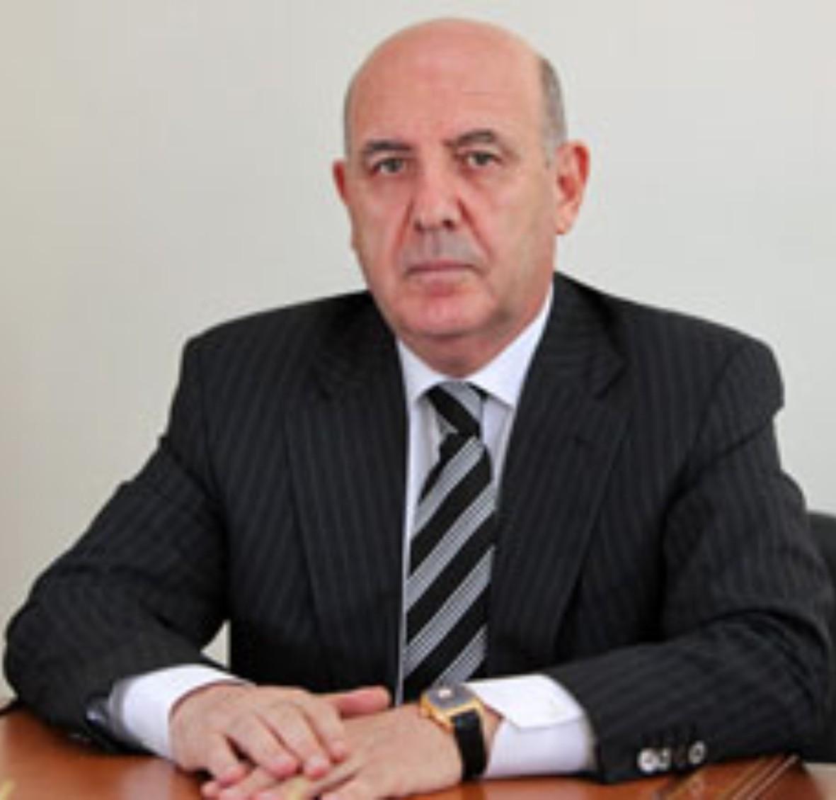 Azərbaycanda insanlarda həkimlərə qarşı nifrət hissi yaradırlar