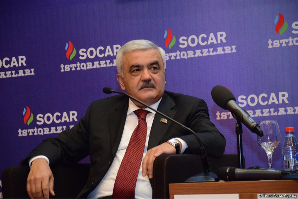 """Rövnəq Abdullayevin """"kassiri"""" həbs edildi"""