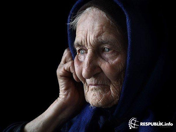 84 yaşlı qadın sirkə içdi