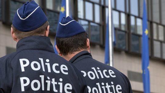 Polis cinayətkarı saxlayarkən 2 qadını yaralayıb