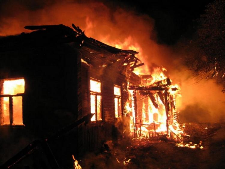 Fərdi evdə baş verən yanğın nəticəsində 7 nəfər öldü