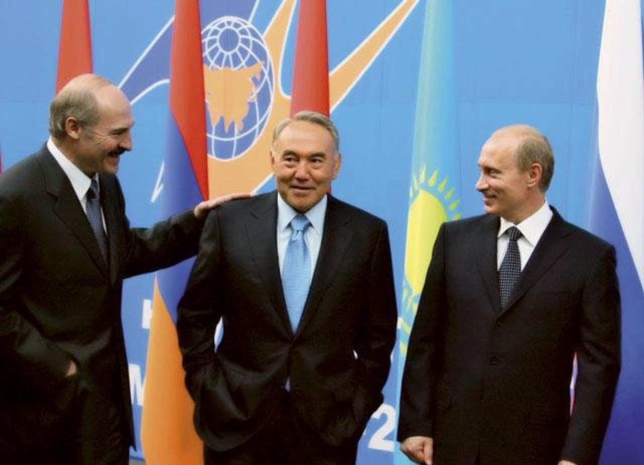 Moskva Belarusun və Qazaxıstanın qarşısında şərt qoydu