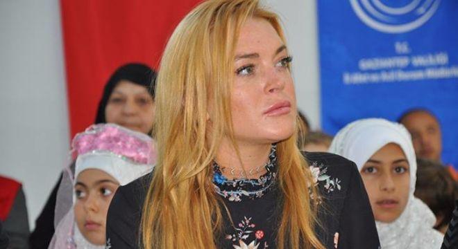 Hollivud aktrisası terroru türkcə lənətlədi