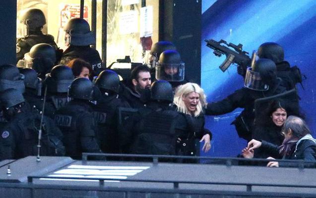 Parisdə turizm agentliyində insident –