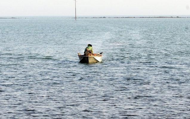 Tanzaniyada gəmi aşıb –