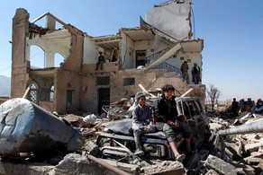 Mosulda dağıdılmış binaların altından 80-dən çox dinc sakinin cəsədi çıxarılıb