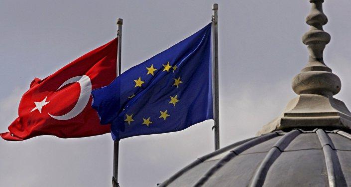Türkiyə ilə Avropa Birliyi arasında viza problemi dərinləşir