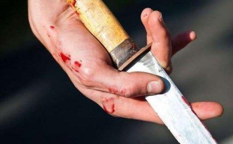 Kişi bıçaqla insanlara hücum edib: 2 ölü, 9 yaralı