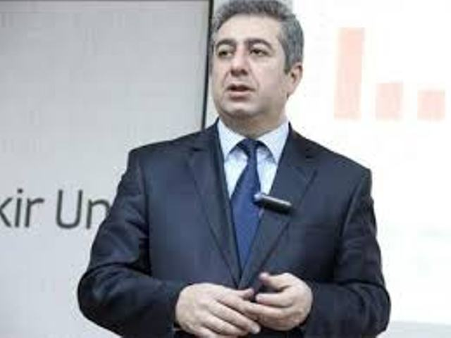 """Qubad İbadoğlu: Ukrayna xalqı əslində Zelenskiyə """"hə"""" deyil, Poroşenkoya """"yox"""" dedi"""