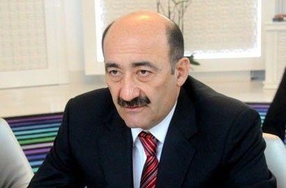 Hamiya bir-bir dəvətnamə göndərəsi deyiləm