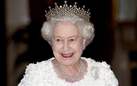 II Elizabet 20 dəqiqəlik doğum günü keçirdi