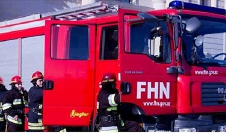 8 otaqlı ev yandı