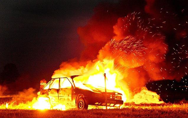 Təmir sexi avtomobil qarışıq yandı