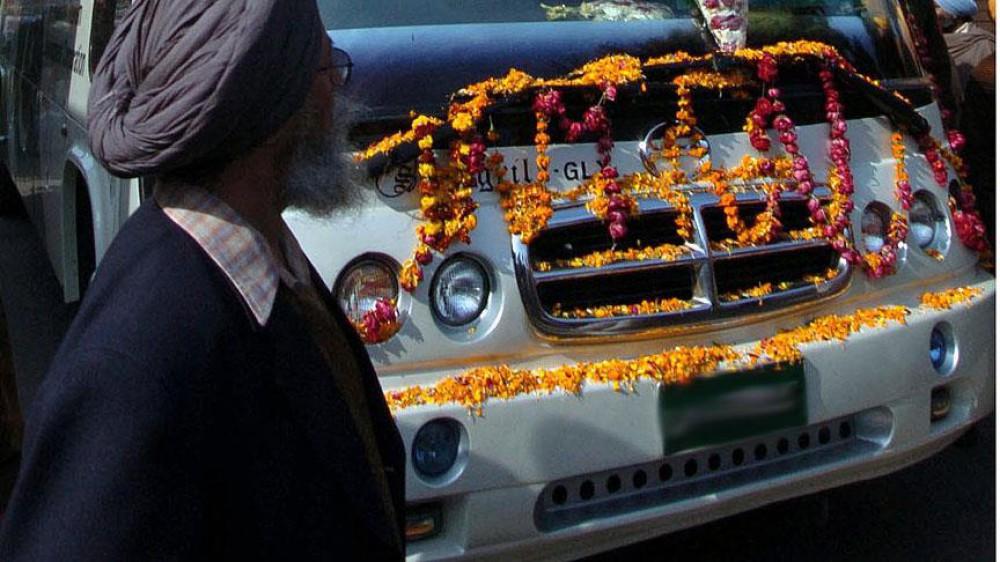 Hindu hacıları daşıyan avtobusun aşması 16 nəfərin ölümünə səbəb oldu