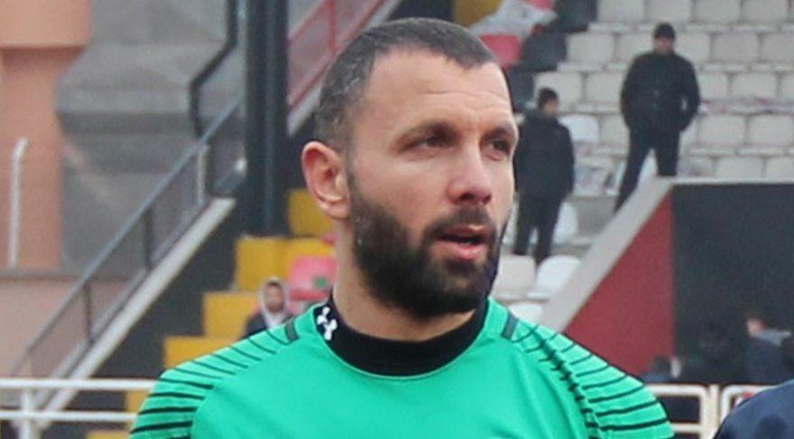 """Daha bir futbolçu """"FETÖ""""-çü çıxdı və tutuldu"""