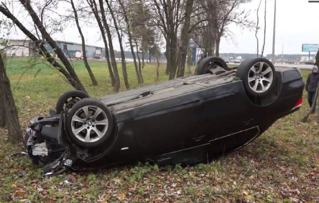 Maşın aşdı, sürücünün anası öldü