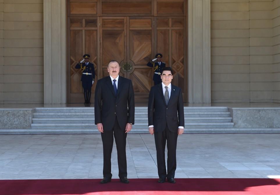 Türkmənistan prezidenti İham Əliyevi V Asiya Oyunlarının açılış mərasiminə  ...