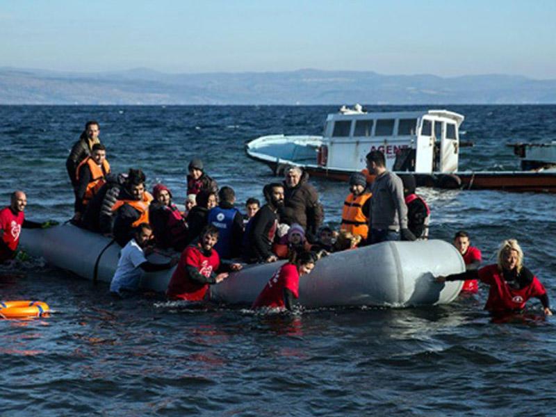 Miqrantları daşıyan gəmi batıb