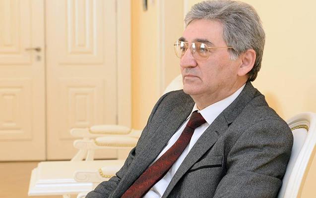Novruz Məmmədov Akif Əlini təqaüdə göndərdi
