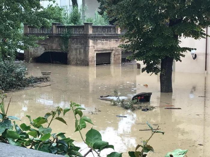 İtaliyada güclü yağış 4 nəfərin ölümünə səbəb olub